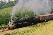 19D hauls the George to Knysna past Keytersnek